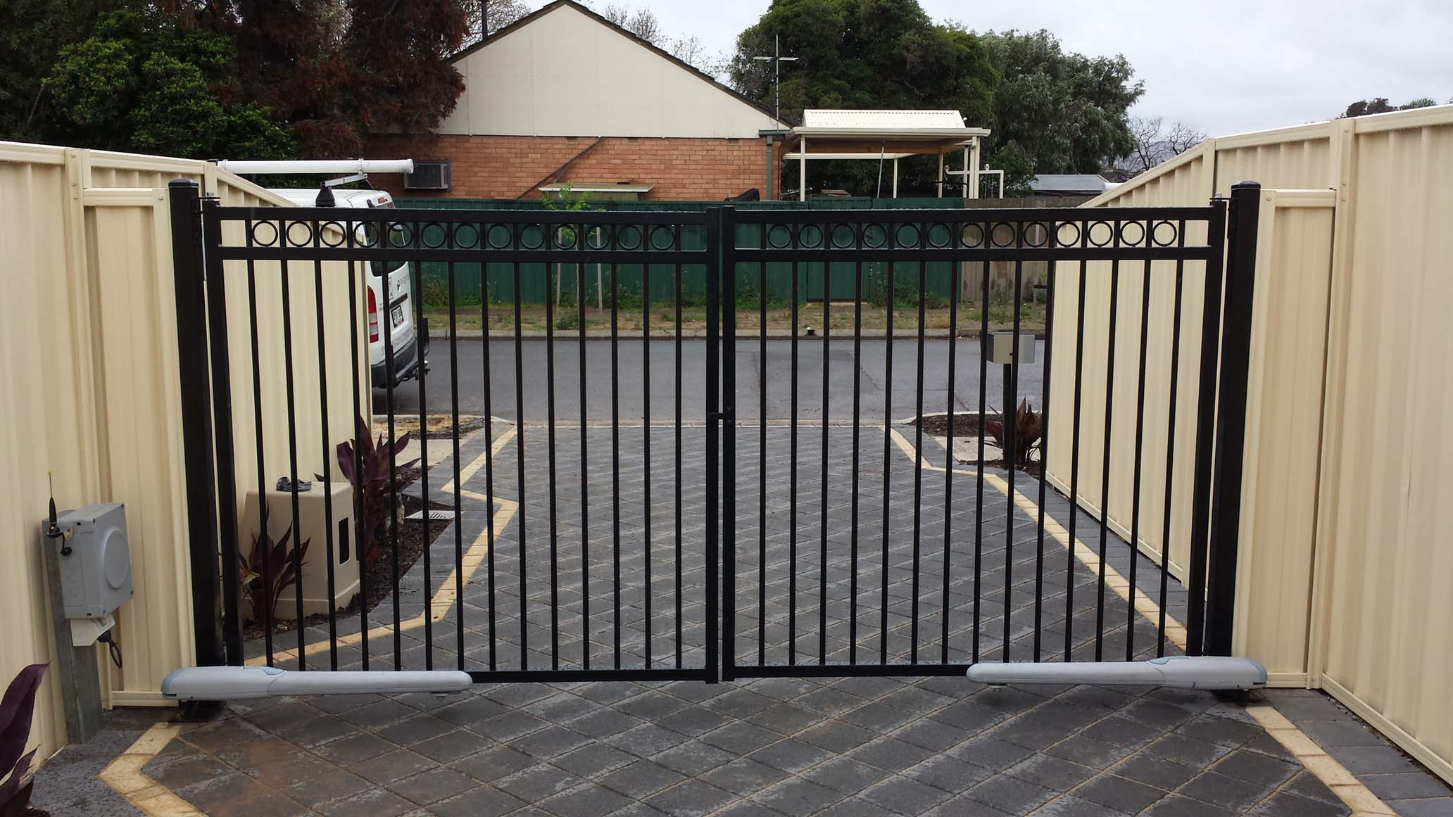 Electric Swing Gates Spurlos Automatische
